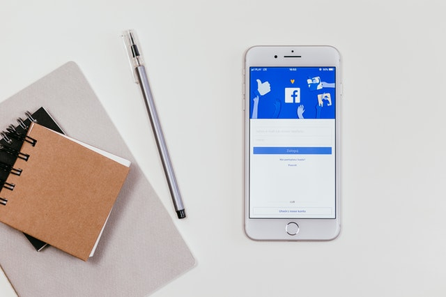 Is It Better To Have A Broad Or Specific Facebook Ad? | AIA