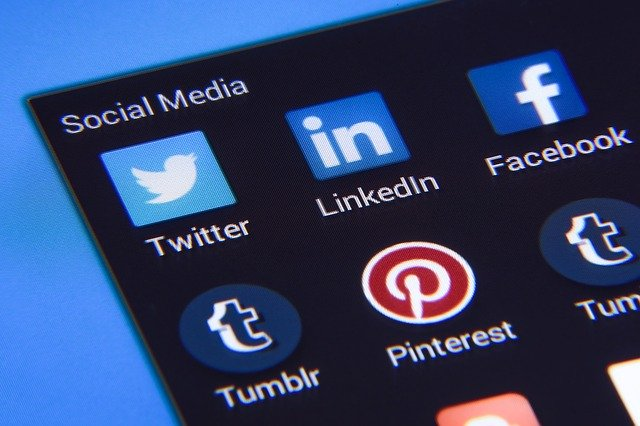 LinkedIn vs. Facebook: Which Is Best for Business? | AIA